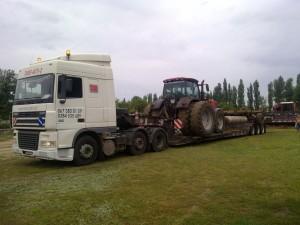 Перевозка-трактора-Case-с-дисковой-бороной